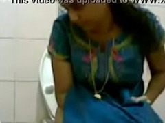 VID-20160514-PV0001-Pandharpur (IM) Hindi 34 yrs aged beautiful, hot and despondent unmarried girl pissing with respect to toilet lovemaking porn video