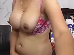 Hot punjabi bhabhi shwoing boobs at www.JuicyGirlCams.com