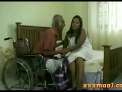 xxxmaal.com -Thisaravige Rathriya Hot scene fro Old alms-man